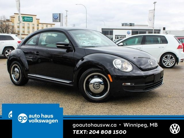 Certified Pre-Owned 2015 Volkswagen Beetle Coupe w/ Classic/Nav 0.9% Financing Available OAC.