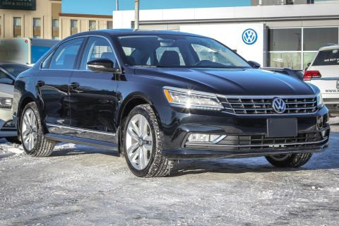 New 2017 Volkswagen Passat Highline 1.8 Turbo w/ Leather/Sunroof/Backup Camera/Navigation