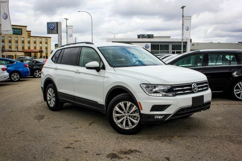 New 2018 Volkswagen Tiguan Trendline AWD w/ App Connect/Backup Cam/Heated Seats