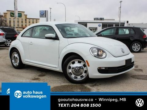 Certified Pre-Owned 2015 Volkswagen Beetle Coupe Classic w/ Nav 0.9% Financing Available OAC.