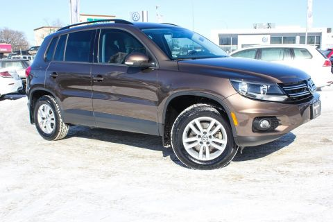 Certified Pre-Owned 2015 Volkswagen Tiguan Trendline AWD w/Heated Seats 0.9% Financing Available OAC.